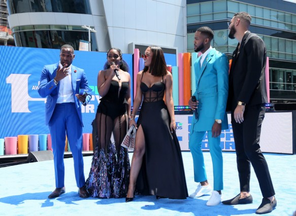 Karen+Obilom+BET+Awards+2019+Pre+Show+mttslHA_3oIl